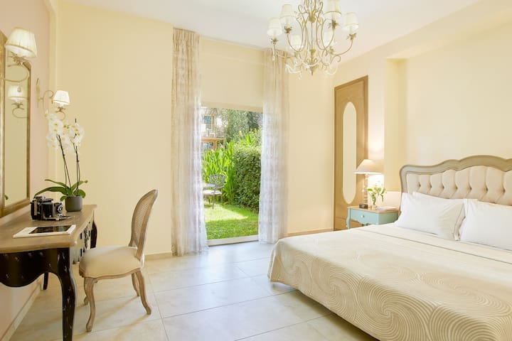 R726  Grand Suite with Garden and Pool view, Free Half Board Supplement Offer Exp 29th Feb