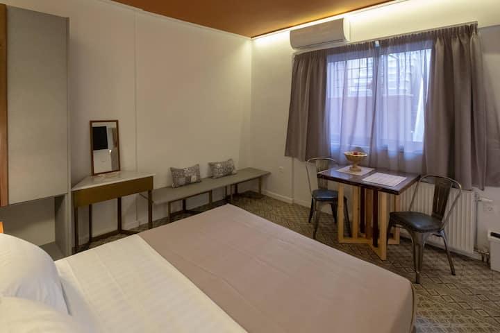 Athenian Yard Suites 20 m2