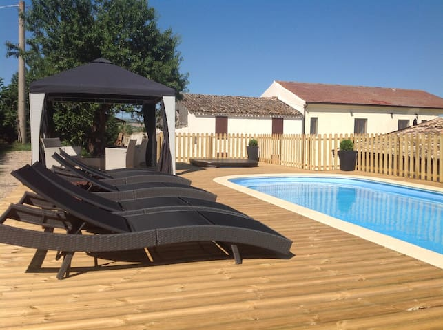Luxury Farm House with pool, stunning views, gym