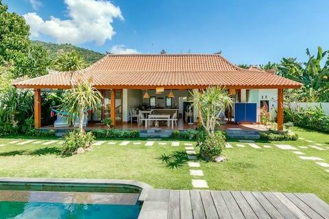 Cozy 1BR villa w/Huge Garden, Pool (free bike use)