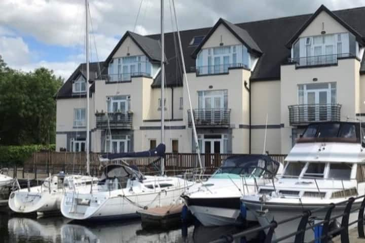 Charming, HarbourSide Apartment Killaloe, Co Clare