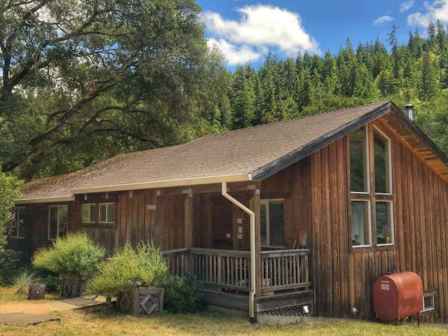 October 20% off-Sunset Lodge in the meadow