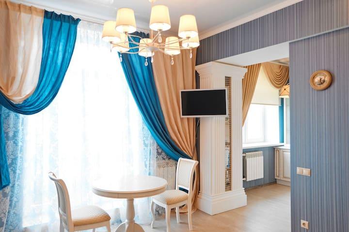 Квартира студия с балконом и видом на Б.Покровскую - Nizhny Novgorod