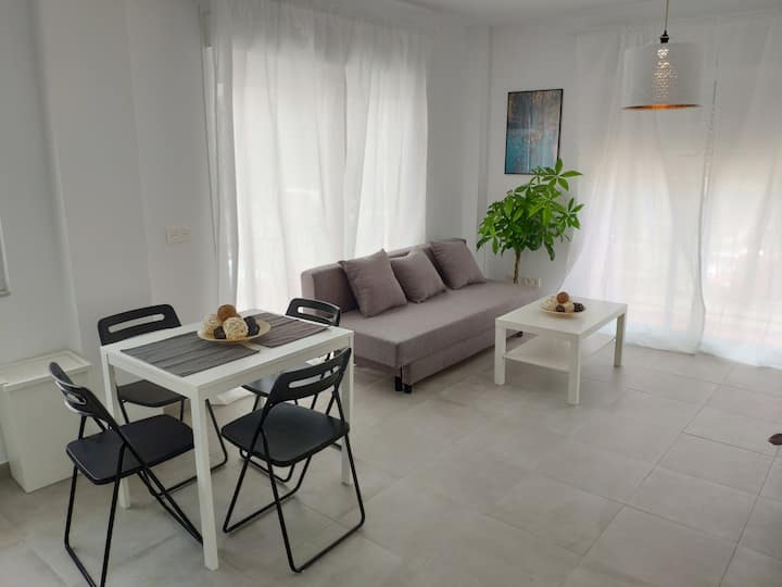 Relax and enjoy in brand new beach apartment I