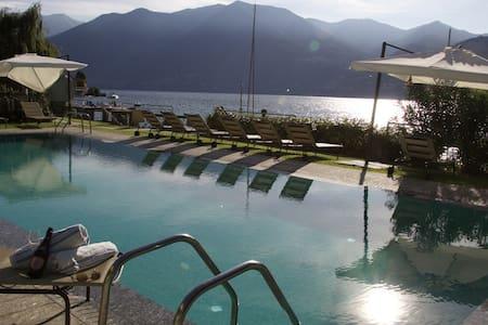 Villa Erker Hocevar - Moltrasio - Apartament