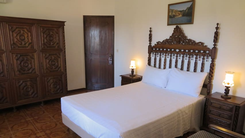 Villa Alcaide Classic Double Bed Room