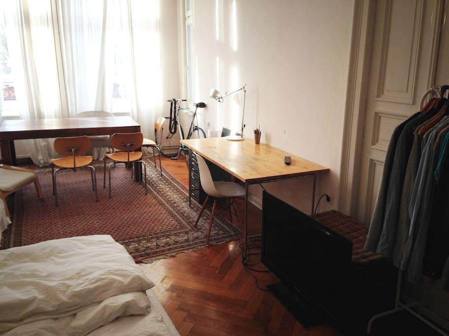 desk + tv