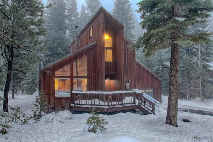Wonderful Tahoe Donner Cabin