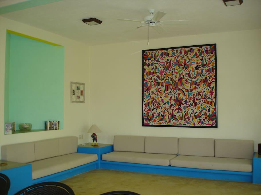 Sala Casa de la Familia, c/televisor sky, wifi, ventilador de techo