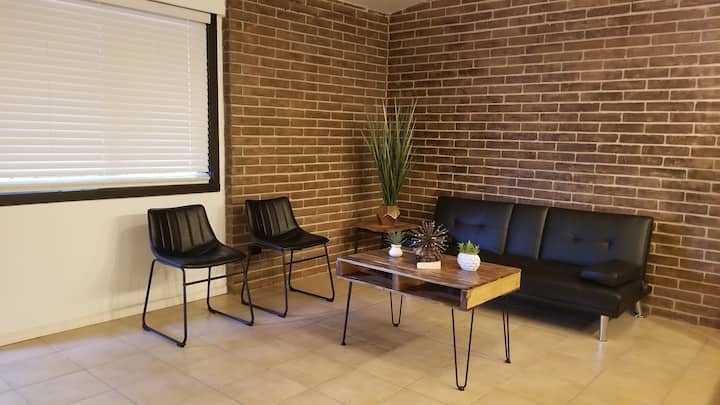 Industrial Style 1bd, 1 ba, a few steps from UTRGV