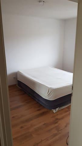 Zimmer Zentral in Lohmar. Nähe Köln Bonn