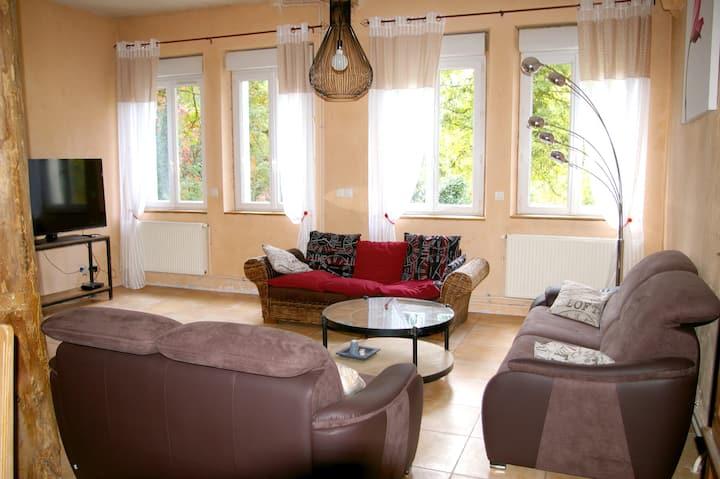 Maison de 5 chambres à Saint-Claude, avec WiFi - à 10 km des pistes