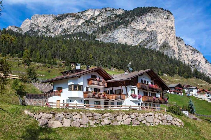 Garni Morene - Selva di Val Gardena - Bed & Breakfast