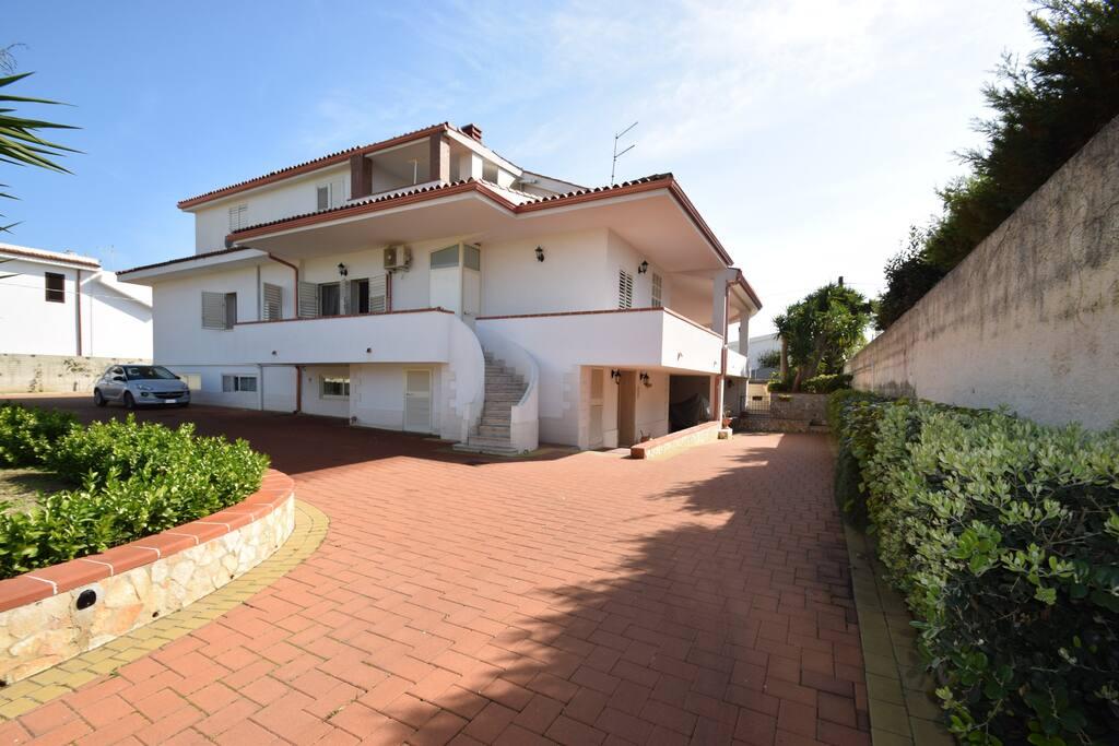 Rear View of the Villa ( Vista Posteriore della Villa)