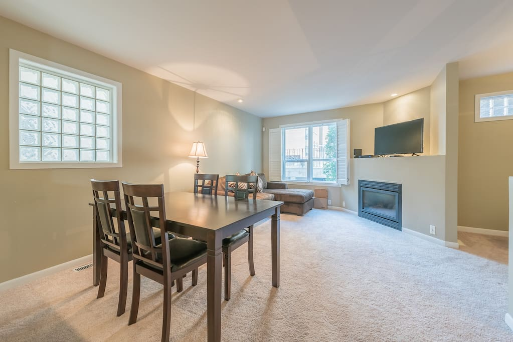 Spacious living room with new cable TV and free high speed Wi-Fi (unlimited data)