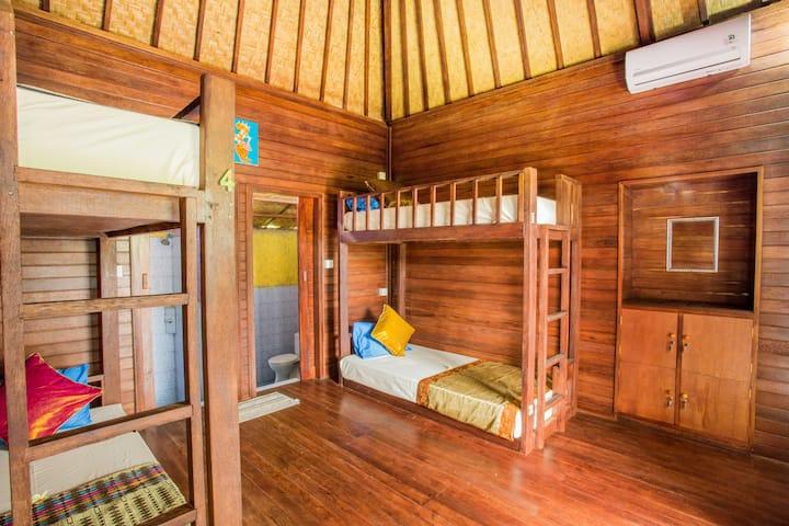 Mixed Dormitory #2 at Uma Hostel Lembongan