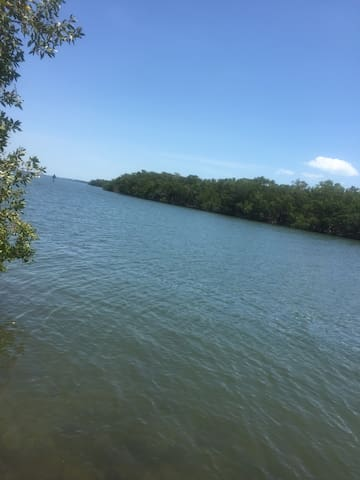 Open water just minutes to Sanibel and Captiva beach by boat - no bridges!
