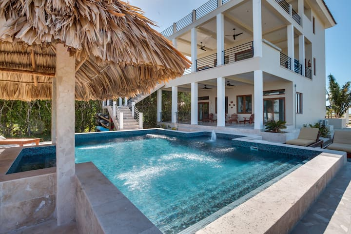 4 BD, 4 BATH VIEW OF LAGOON AND MAYAN MOUNTAINS - Placencia - House