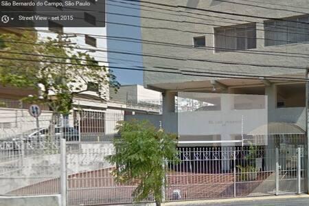 Apartamento de vizinho da faculdade Metodista - São Bernardo do Campo - Pis