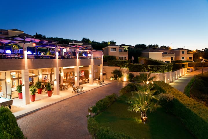 HOTEL ST.JOHN RESORT ,VILLAS ,SUITES & SPA *****