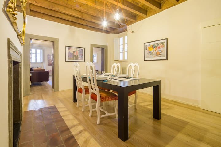 Smart apartment ten steps away from Palazzo Pitti
