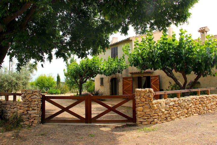 Masia amb encant al Montsià - Santa Bàrbara - วิลล่า