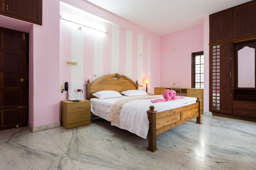 Budget Double Room-23