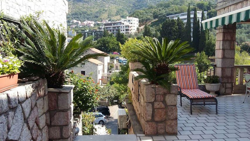 Comfort aprt.close to the beach - Pržno, Sveti Stefan  - Apartment