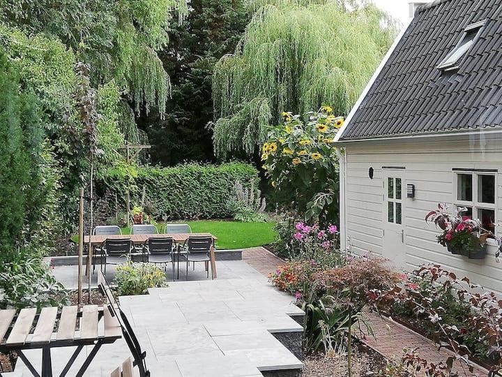 Bed & Bike The Gardenhouse - Rotterdam