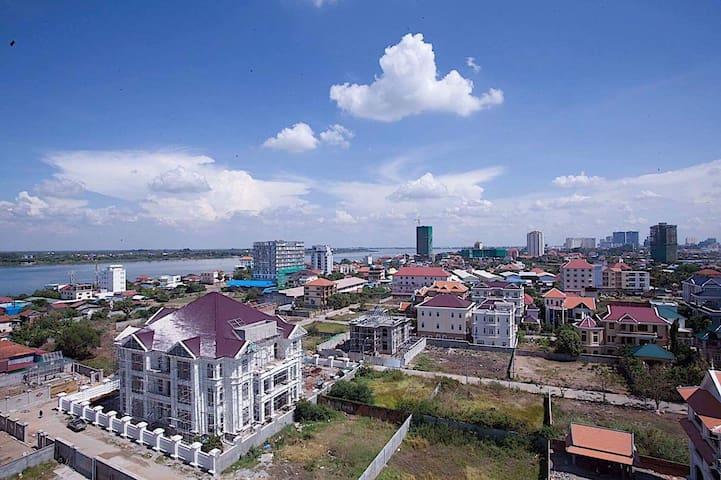 3-bedroom apart. Mekong view, secure neighbourhood - Phnom Penh - Lyxvåning