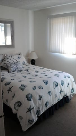 Cozy room 10 blocks from beach - Redondo Beach - Apartment