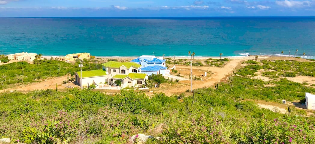 Private Beachfront Retreat Center ~Casas Las Tinas