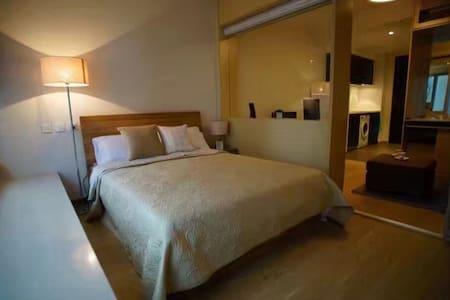 高级海景公寓,可以看见港珠澳大桥;舒适幽雅的环境会给你带来更多旅行的快乐体验