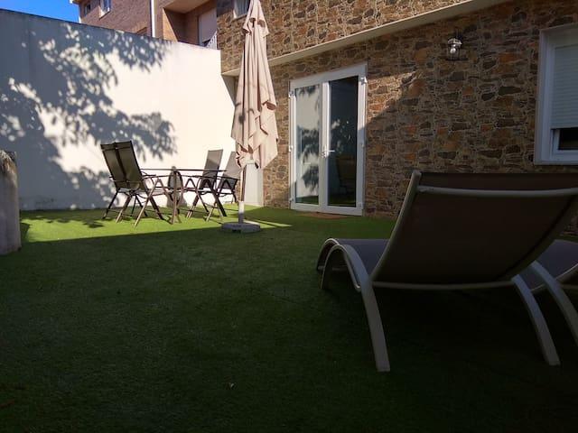 Apartamento Cruceiro con patio y terraza
