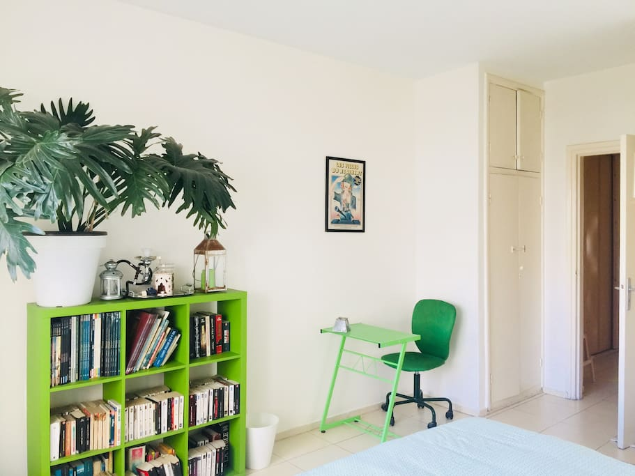 Chambre avec lit 2 places/ room with double bed airbnb.com/rooms/9251083
