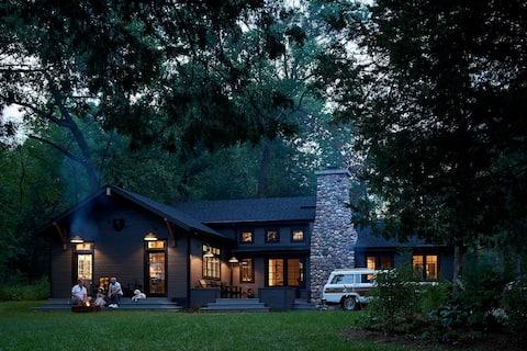 Camp Wandawega Hillhouse