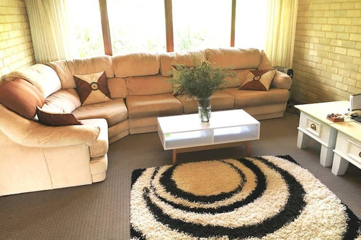 Private Room with with Queen Bed - Killarney Heights - Huis