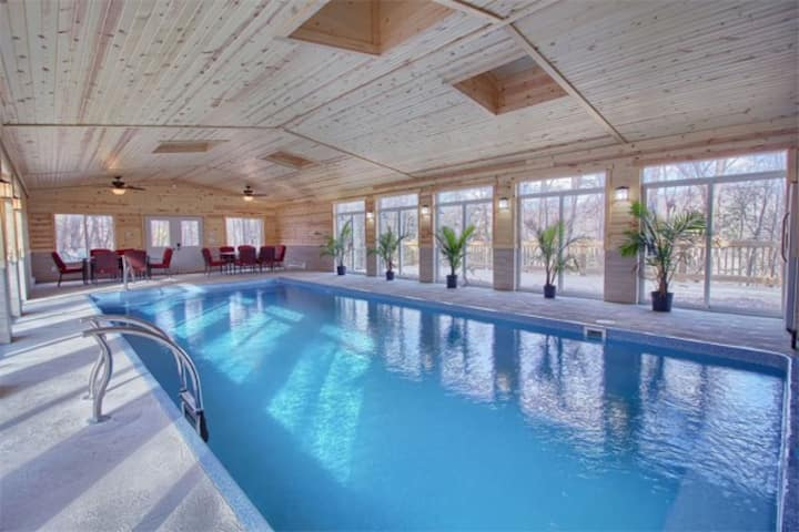 High Point Lodge With Indoor Saltwater Pool Cabins For Rent In Rockbridge Ohio United States