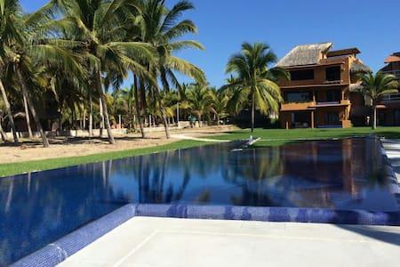 Sea & Sky Waterfront Backyard - Playa Blanca