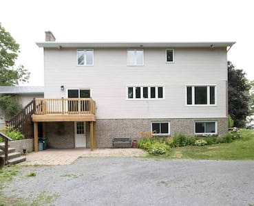 Private & Bright - Kanata in 10 min - Dunrobin - Apartament