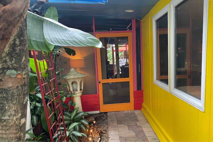 Key West House Cabin SAME DAY BOOKINGS WELCOME