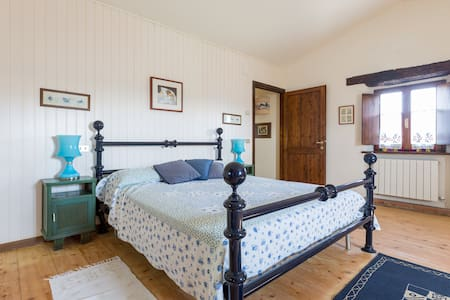 The countryhouse in Panicale - House