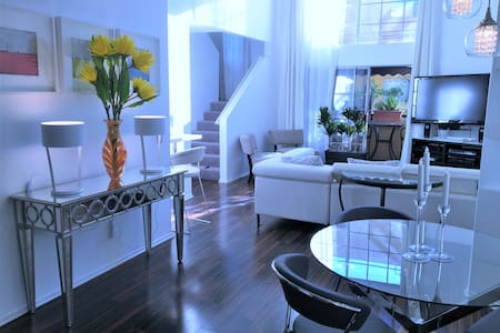 Luxury Townhouse Vacation Suite - Los Angeles - Apartament