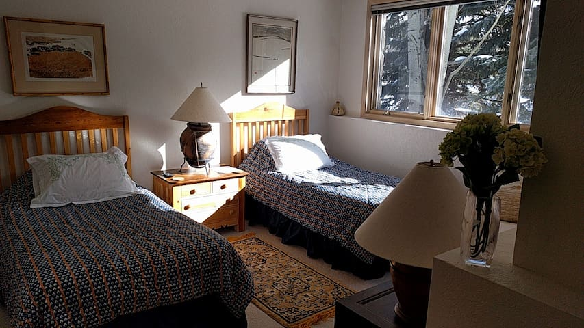 Private floor near Park City Main/Deer Valley Ski - Park City - Haus