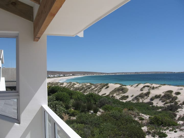 Sea View Apartment (Dolphins), Shelley Point
