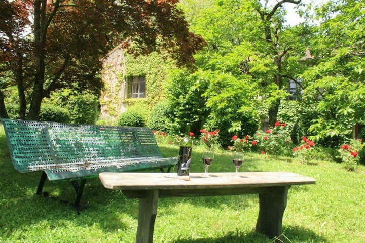Stylish apartment, set within beautiful gardens. - Labastide-Rouairoux - Apartemen