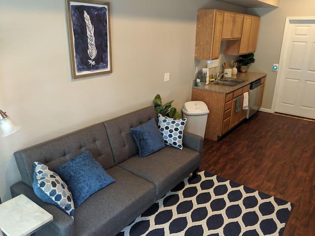Stylish 1 bed 1 bath- 1 Block to Aggieville