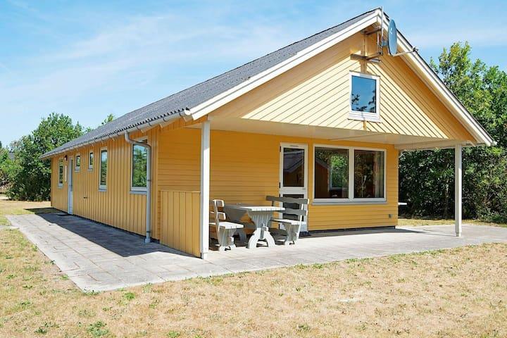 Rustiek vakantiehuis in Ulfborg met een groot terras
