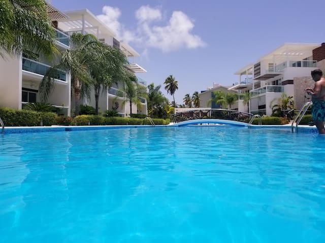 Costa Hermosa Tropical Getaway!Sleeps6*2King1Queen