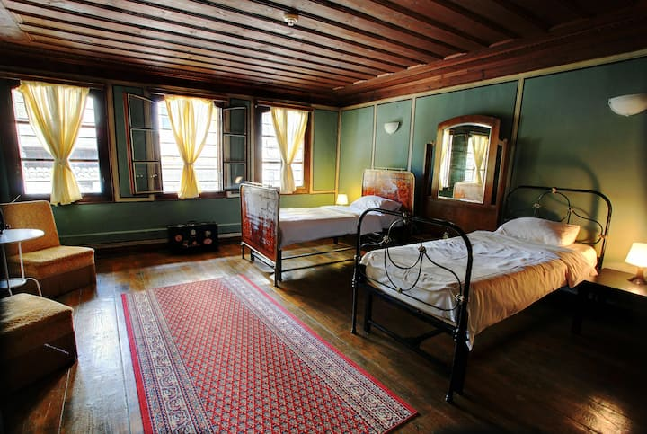 Old Plovdiv-Romantic Twin Room